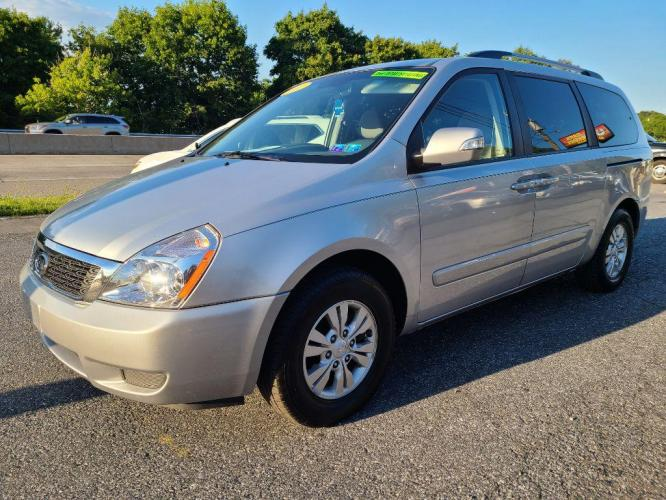 2011 SILVER KIA SEDONA LX (KNDMG4C79B6) with an 3.5L engine, Automatic transmission, located at 7981 Paxton Street, Harrisburg, PA, 17111, (717) 561-2926, 40.261490, -76.749229 - Photo #0